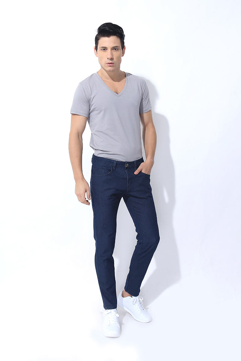FOLDED AND HUNG BASIC FIVE POCKET JEANS BLUE RINSE (M7SEBJ06L)