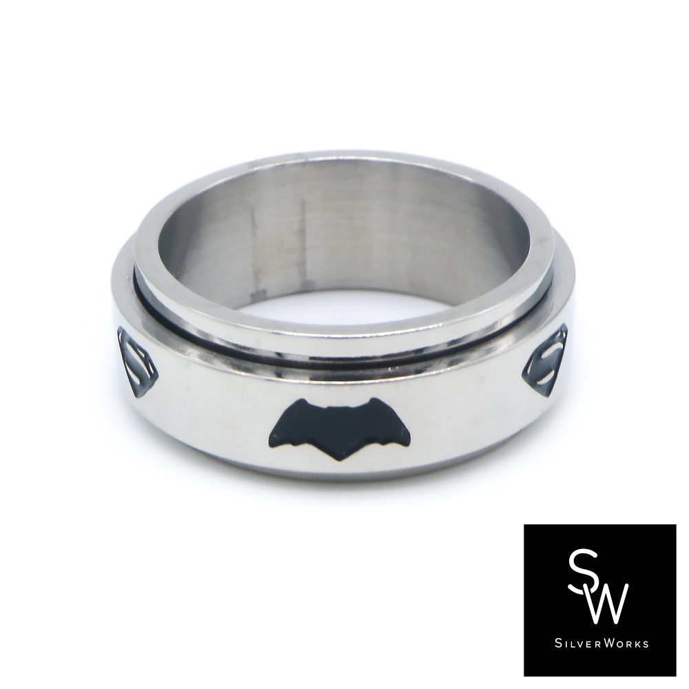 Silverworks X2845 Back-to-Back Batman&Superman Band Ring