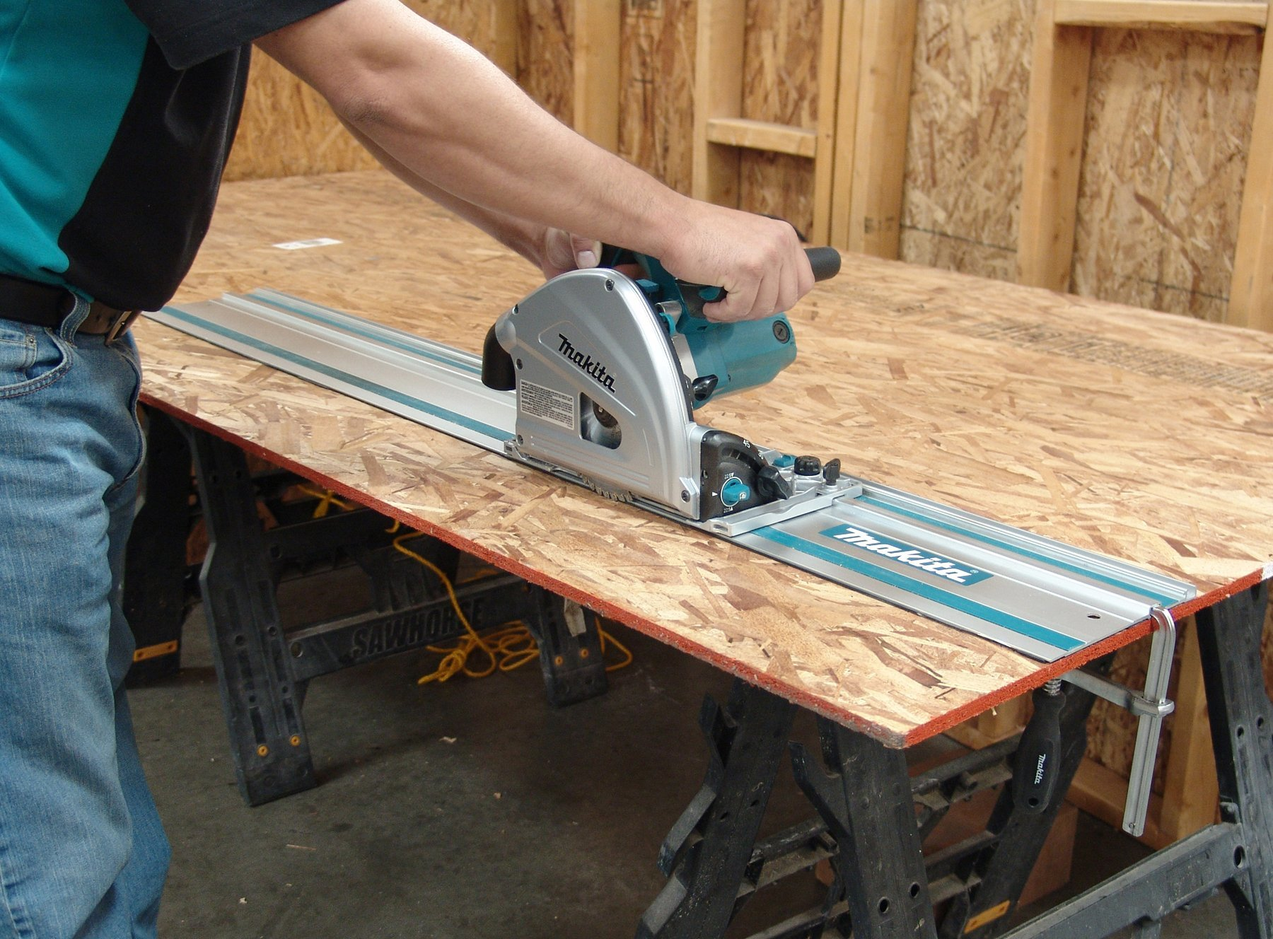 makita sp6000j1 6 1 2 inch plunge circular saw with guide rail. Black Bedroom Furniture Sets. Home Design Ideas