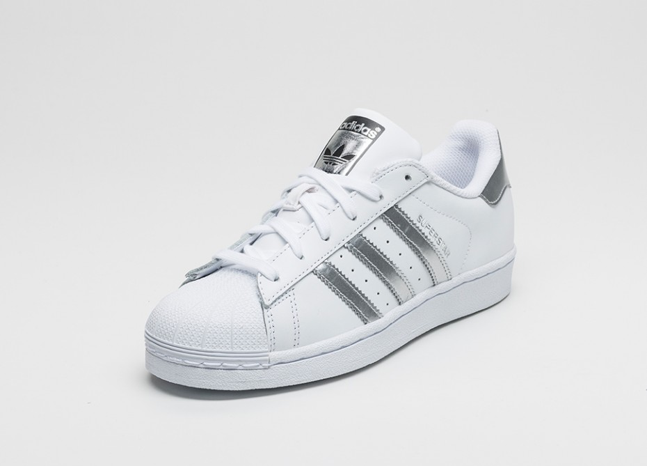 adidas superstar white silver