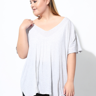V-NECK SHIRT WITH BACK PLEAT (Foggy Day)