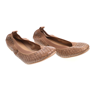 Janylin Woven Gartered Foldable Round Toe Flats (541-31-Brown)