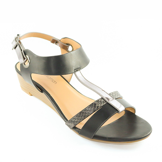 Mendrez Jodie T strap sandals on wedge heel
