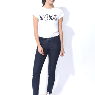 FOLDED AND HUNG LADIES JEANS (L7BEBJ03B)
