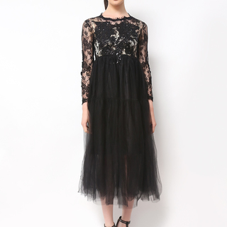 Host Black Lace Long Dress With Gold Inner Spagetti (Freesize)