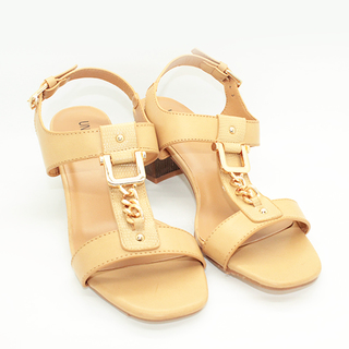 Kiera T strap sandals on Chunky Heel