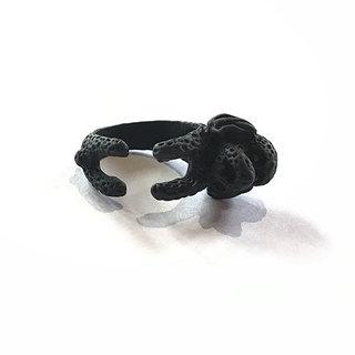 BLACK POODLE RING